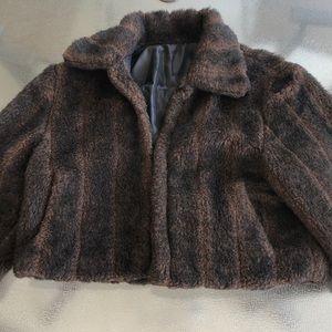Vintage faux fur jacket/capelet